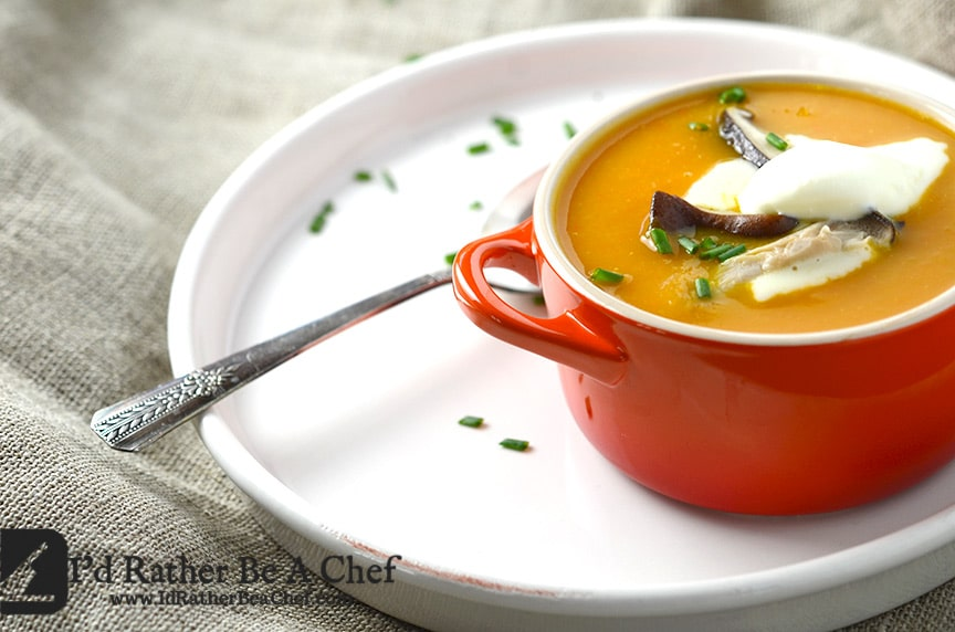 A homemade roasted vegetable soup packed up with delicious roasted vegetables! Gluten Free, Paleo and Low Carb! Delicious winter meal.