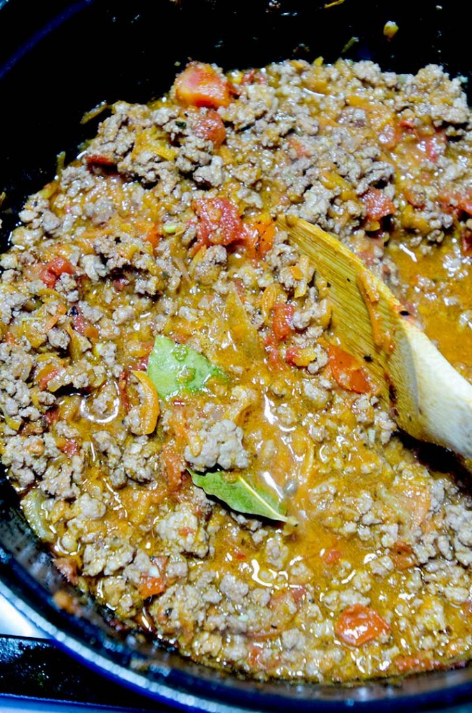 An authentic bolognese sauce that will make your Grandma proud. Eat it up tonight in about an hour.