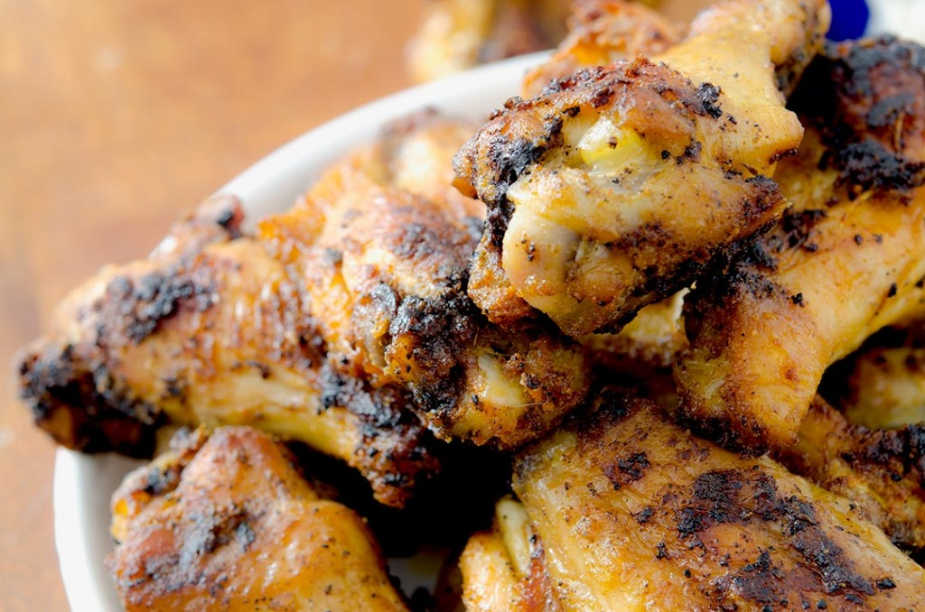 Take a bite of these crispy baked chicken wings tonight... they're delicious!