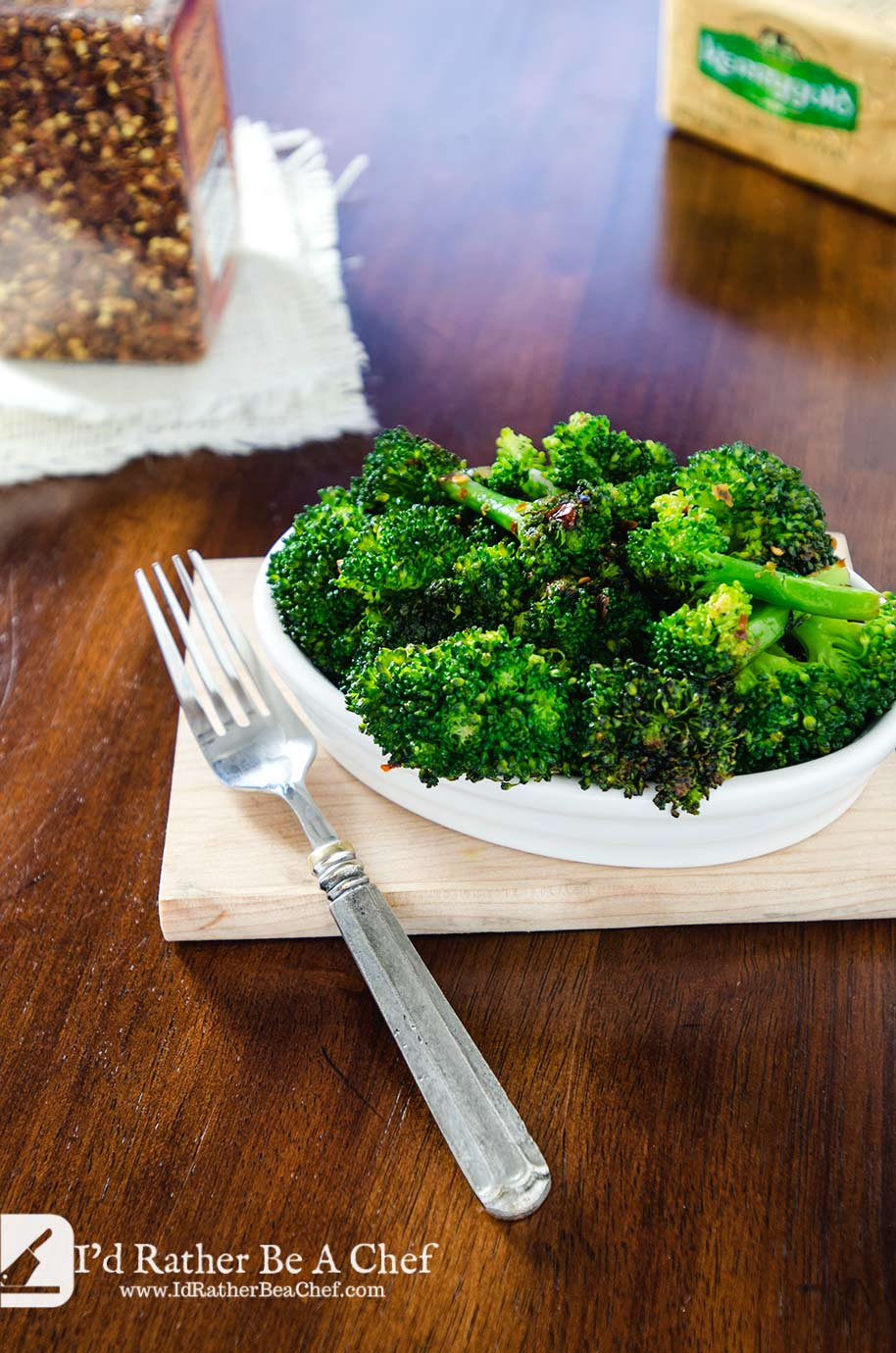 Packed full of flavor, this Italian Broccoli Recipe is a winner for your dinner table. It is just so good, so easy and so good for you!