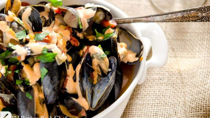 MUSSELS RECIPE WITH FENNEL AND TOMATO BROTH