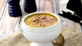 BLONDE FRENCH ONION SOUP RECIPE