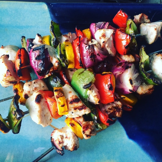 It doesn't get any more simple than grilled chicken and veggie kebabs... and a springtime low carb dinner recipes roundup wouldn't be complete without a recipe like this!