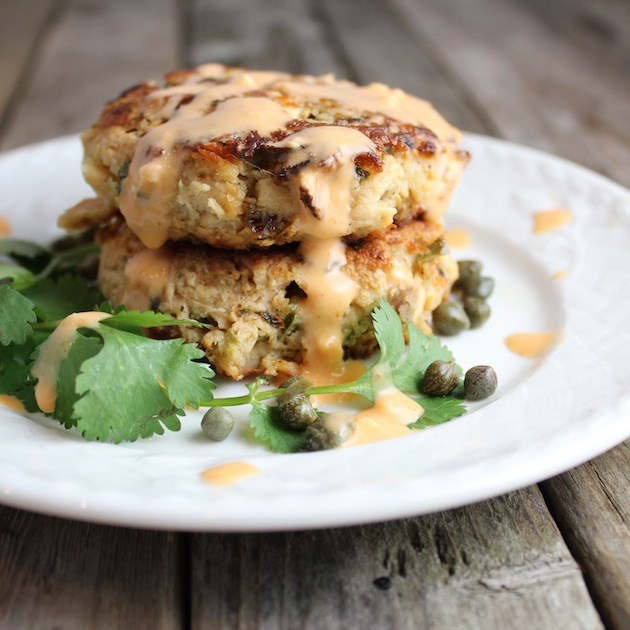 How awesome do these tuna cakes with jalapeno and cilantro look? The perfect addition to this low carb dinner recipes roundup.