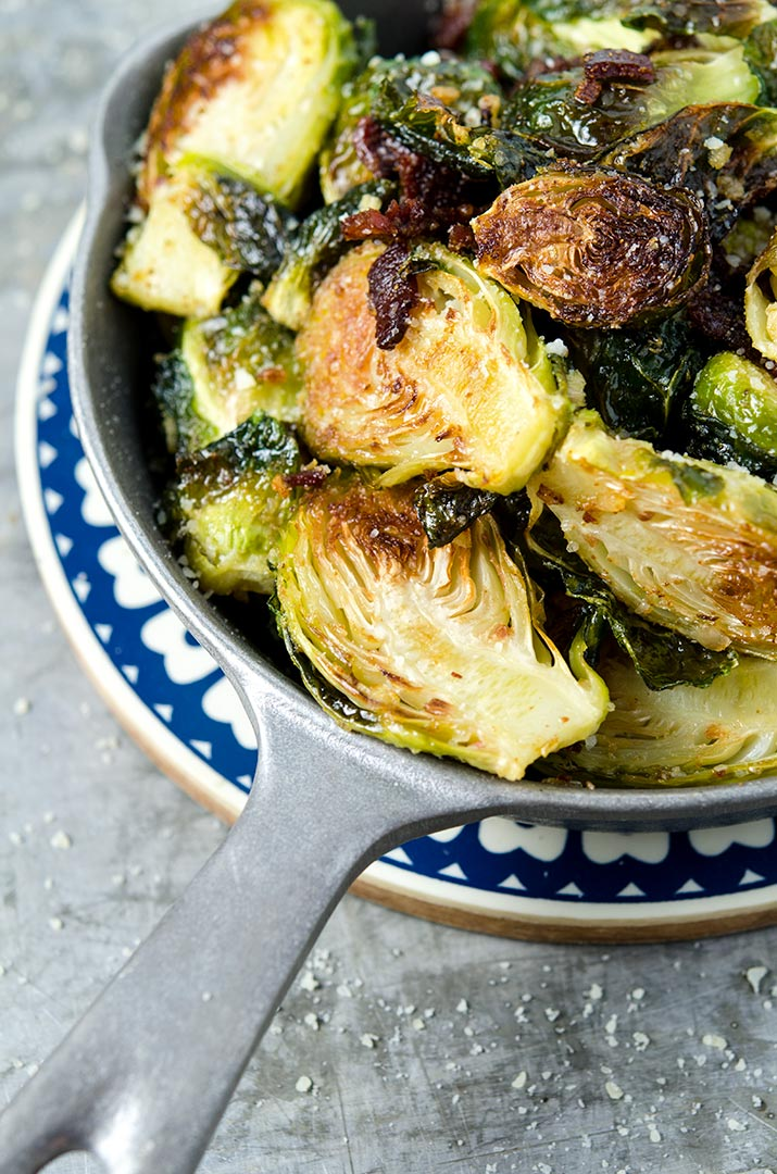 Enjoy these roasted brussels sprouts with bacon, garlic and shallots tonight for dinner!