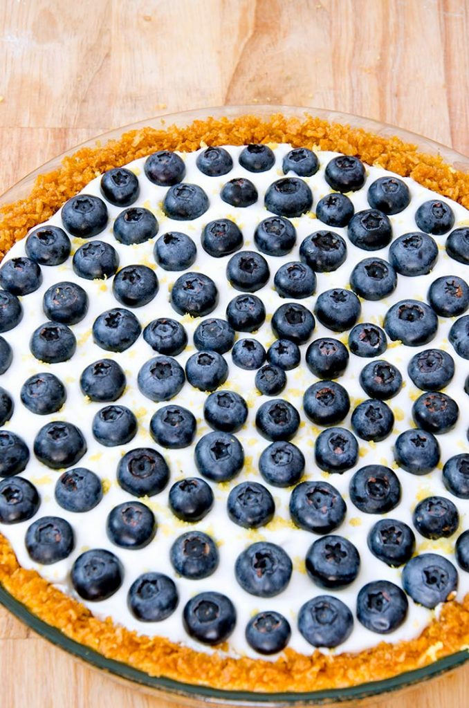 This no bake cheesecake recipe can be topped with blueberries, raspberries, strawberries or even peaches!