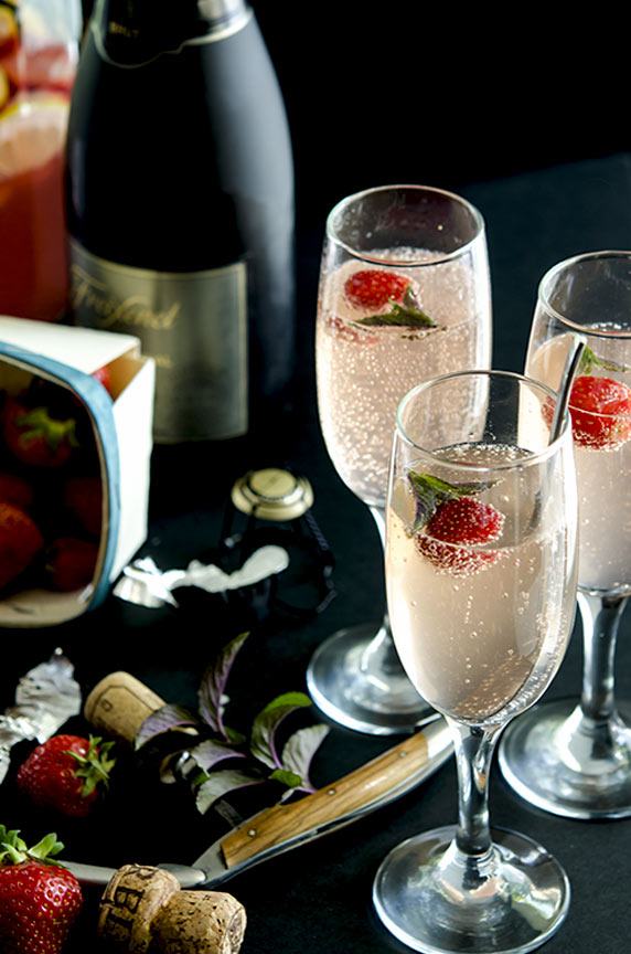 Top off your Summer Fling with some chilled Champagne, Cava or sparking water.
